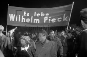 Fackelzug für Wilhelm Pieck | GDR Torchlight procession