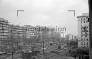 Bau der Stalinallee Ostberlin 1952 | Building Stalinallee East Berlin 1952.