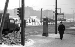 Kreuzung Warschauerstr Stalinallee   Crossing Warschauerstr Stalinallee
