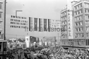 Alexanderplatz, Ostberlin | Alexandersquare East Berlin
