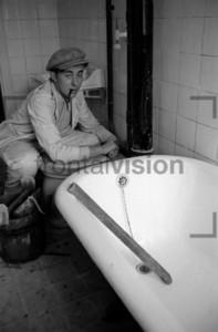 Sanitär Badewannen Toiletten Monteur