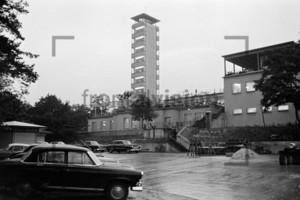 Parkplatz, Restaurant, Terrasse Müggelturm Müggel Tower Berlin 1963