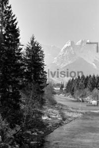 Loisach bei Grainau Winter 1956