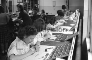 Uhrmacher im VEB Uhrenwerk Ruhla 1950