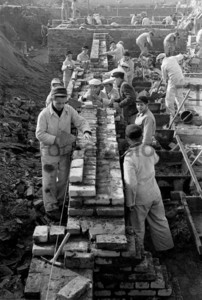 Bau der Stalinallee, Bauerarbeiter 1953