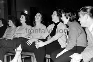 Lachende junge Frauen DDR 1950er Jahre