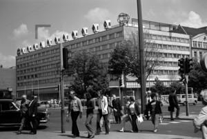 Hotel Unter den Linden Kreuzung Friedrichstrasse | Hotel unter den Linden crossing Friedrichstraße