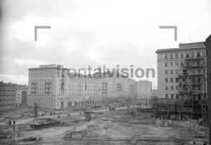 Blick auf Stalinallee Block E Ostberlin 1951