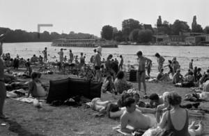 Erholung im Strandbad 1973 | Relaxing in a lido 1973