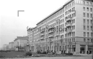 Stalinallee, Karl Marx Allee Ostberlin DDR 1953