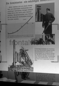 Lenin Ausstellung Ostberlin 1950 | Lenin exhibition Eastberlin 1950
