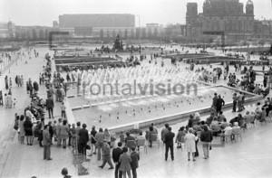 Neptunbrunnen, Wasserkaskaden, Park Fernsehturm Berlin 1973